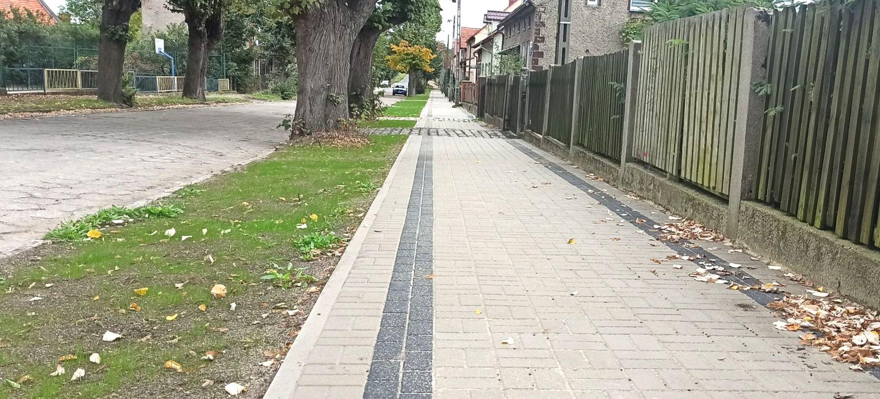 Remont nawierzchni chodnika przy ul. ks. Jana Skiby - ukończone prace
